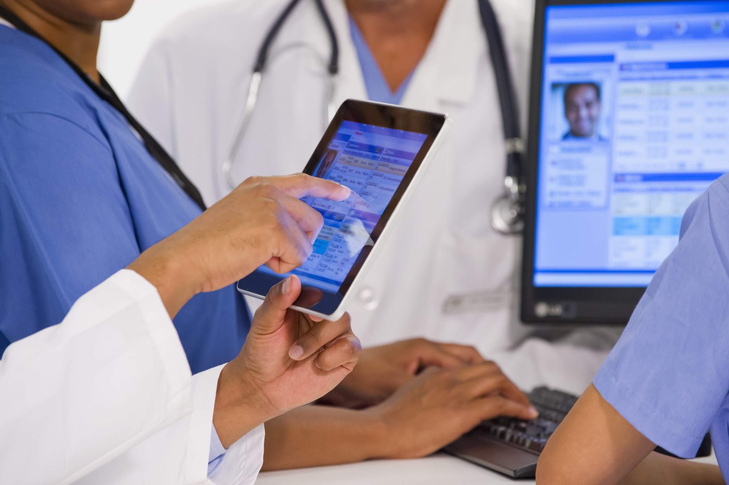 Ứng dụng công nghệ Blockchain trong quản lý hồ sơ y tế